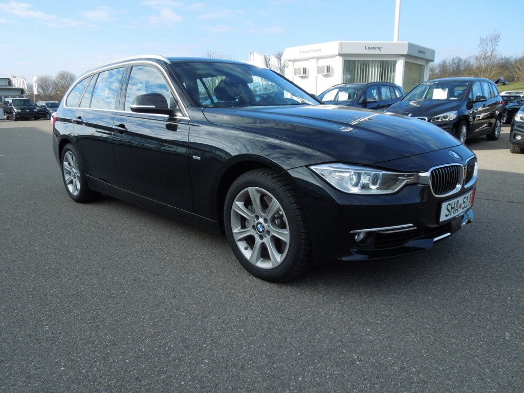 bmw 335d xdrive touring luxury line toit panoramique head. Black Bedroom Furniture Sets. Home Design Ideas