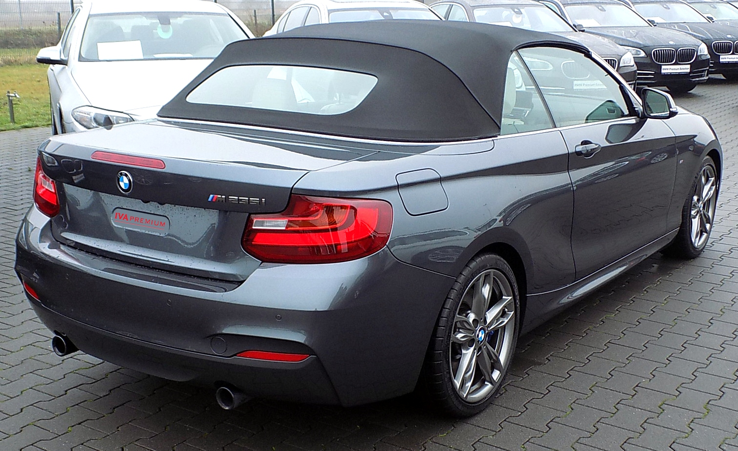 bmw m235i cabriolet 326 ch m pack sport steptronic vente de voitures import es d 39 allemagne. Black Bedroom Furniture Sets. Home Design Ideas